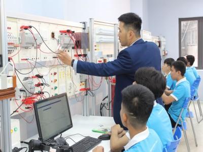Tuyển dụng kỹ thuật viên nghề Điện
