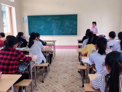 Học sinh, sinh viên các trường nghề náo nức trở lại trường